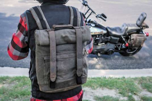 070247backpackls01
